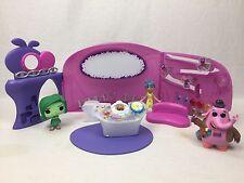 Disney Pixar INSIDE OUT HQ HEADQUARTERS PLAYSET w/ JOY Figure & 2 Funko Pops