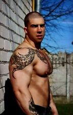 Shirtless Male Pumped Body Builder Hairy Tattooed Muscular Hunk PHOTO 4X6 F231