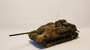 Expertly Painted 1/72 WW2 German  Jagdpanzer IV /70 With AB Commander.