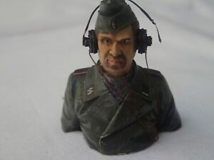 GERMAN TANK COMMANDER FOR 1/16 TANK - PAINTED - CHEST AND HEAD