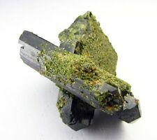 EPIDOTE, 02 GREEN DOUBLE POINTED CRYSTALS GROWING ONE INSIDE OTHER ONE from PERÚ