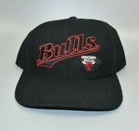 Chicago Bulls NBA Twins Enterprise Vintage 90s Spell Out Snapback Cap Hat - NWT