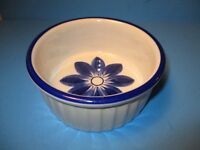 "Viana Do Castelo Baking Souffle Dish Portugal Pottery Round 6"" Cobalt Blue Trim"