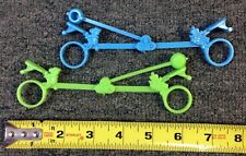 1970S VINTAGE CAPTAIN CRUNCH CEREAL TOY LOT (2) FINGER SEESAW WORKING 72317