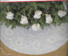 BUCILLA ORNAMENTS & TREE SKIRT ALL THAT GLITTERS STITCHERY Kit, MPN 82725 SEALED