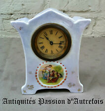 B2016577 - Jolie petite horloge en porcelaine - Ne fonctionne pas