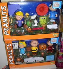 #5806 NRFB Memory Lane 2 - PEANUT'S It's A Great Pumpkin Charlie Brown Giftsets
