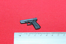 DRAGON 1:6TH SCALE MODERN A GORDON CHAN FILM 2000 AD POLICE PISTOL