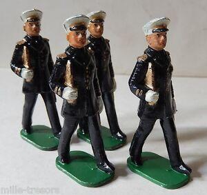 LOT Anciennes Figurines Militaires : Officiers MARINS au défilé du type QUIRALU