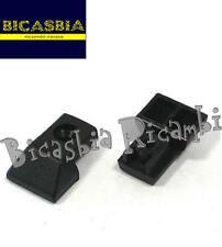 9234 - PUNTALINO STRISCE PEDANA CON FORO IN PLASTICA VESPA PX 125 150 200 LML