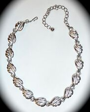 VINTAGE CORO - BRUSHED & TEXTURED SILVERTONE LEAVES CHOKER NECKLACE