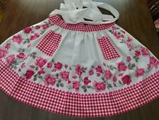 """New listing Half Apron w/Pockets made w/Vtg Mid-Century """"Pink/Red Roses"""" Tablecloth, Preown"""
