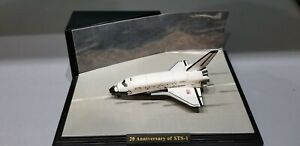 SPACE SHUTTLE COLUMBIA WITH RUNWAY DISPLAY BASE 1:400 SCALE DIECAST MODEL