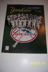 1993 NEW YORK YANKEES Yearbook DEREK JETER Mariano RIVERA Columbus First Issue