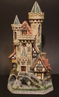 David Winter ~ Guardian Castle ~ Limited Premier Edition Number 5516/8490