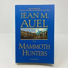 The Mammoth Hunters by Jean M. Auel (2002, Trade Paperback, Very Good)