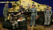 1:35 German Tank Crew Tiger at rest World War 2 (WW2) 5 Figures Resin Model Kit