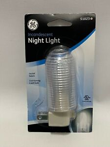 GE Incandescent Night Light 51023 w/ On/Off Switch Cool Burning 4 Watt Bulb New