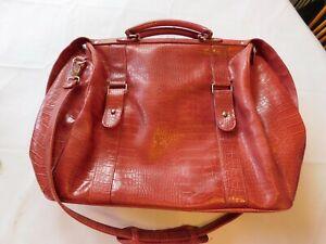 Bath & Bodyworks Red Tote Duffle Bag Weekend Bag Travel Faux Gator Pre-owned