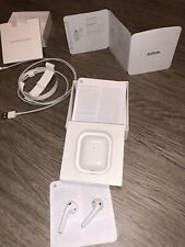 Apple AirPods (2ª Generación) Auriculares Inalámbricos – Blancos