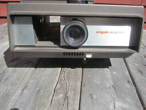 Argus Slide projector 543 Automatic 1 Owner W/ remote