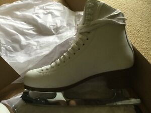 ice/figure skates. New condition. Only worn a couple times. Size 9-10 (10. 2/3)
