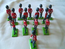 LOT 14 DEETAIL PLASTIC SOLDIERS