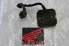 Honda NTV 650 Revere RC33 Rectificador Regulador de carga Alternador #R7470