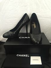 **WORN 1x** CHANEL CC Logo Classic Quilted Black Leather Pumps Heels Shoes 40 9