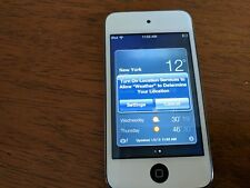 Apple iPod Touch 4th Generation White (8 GB). Cleaned and Erased.Model A1367.