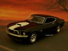 1969 69 FORD BOSS 429 MUSTANG COLLECTIBLE 1/64 SCALE MODEL - DIORAMA