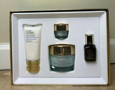 NEW Estee Lauder 4-Piece DayWear Youthful-Looking Skin Care Gift Set