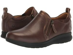 Clarks Women's Un Adorn Zip Side-Zip Slip-On Shoes Size 8.5 Dark Brown Leather