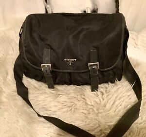 LARGE PRADA BLACK NYLON & LEATHER 2005 MESSENGER CROSSBODY BAG