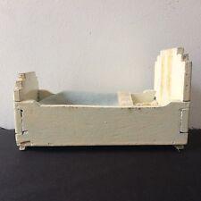 ANCIEN LIT MINIATURE POUPÉE EN BOIS / Ancient miniature doll bed