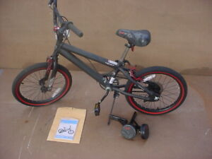 "Kent 18"" Abyss Boy's Freestyle NOS Bike Charcoal Gray Training Wheels Complete"