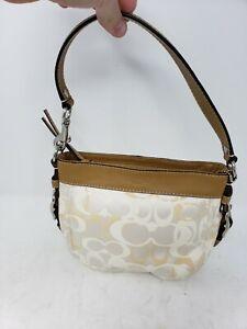 EUC Coach Zoe Women's Small White Cream Clutch Purse C1082-F44109  Bag