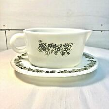 Pyrex Spring Blossom Crazy Daisy Gravy Boat and Under Plate White Green Flowers