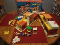 VTG 1973 Fisher Price #997 Little People Play Family Village.