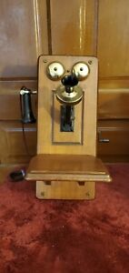 Vintage 1950's THE COUNTRY BELLE By Guild Model 556 AM TUBE RADIO
