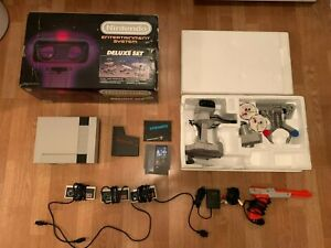 Nintendo, NES Deluxe Set System / Console + Rob the Robot + Box + Accessories