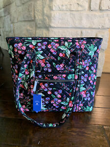 NWT Iconic vera bradley Large tote in Winter Berry pattern