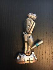 Mattel DC Universe Classics BAF CnC Metallo Left Leg