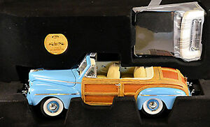 Ford Sportsman Convertible With Soft Top 1946 Blue 1:18 Signature Series