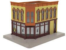 MTH 30-90474. O Scale, Corner Building w/Blinking Sign - Ali's Tiki Bar