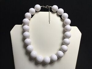 Women's White Chunky Bead Choker Necklace