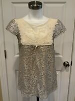 HD in Paris Anthropologie Silver Lace Cap Sleeve Top, Size 2