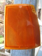 1991-1994 Ford Explorer Bronco 2 corner reflector type lamp right front 89 to 91