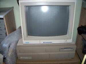 Amiga  2000  /  order 485 / Keyboard / monitor / scart cables