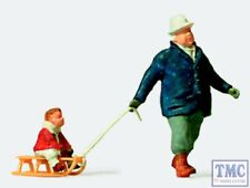 PR28078 Preiser OO/HO Gauge Man With Child On Sledge